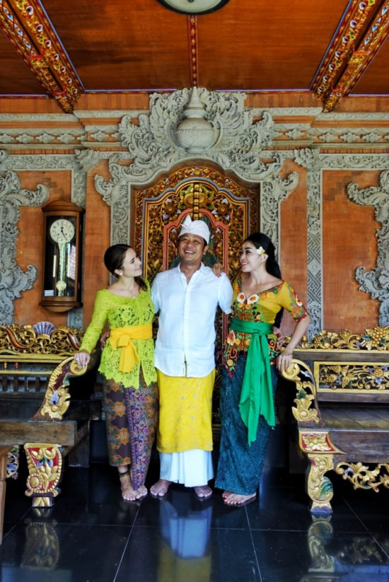 Hanging out with my adopted Balinese family during the famous Galungan celebration